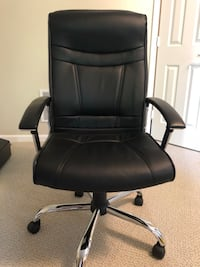 black leather office rolling armchair Herndon, 20171
