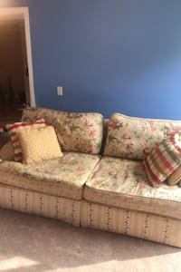Couch Franklin, 37064
