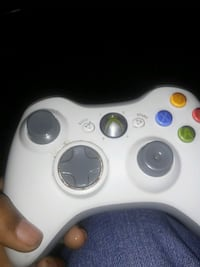 Xbox 360 controller with no batteries Bossier City, 71111