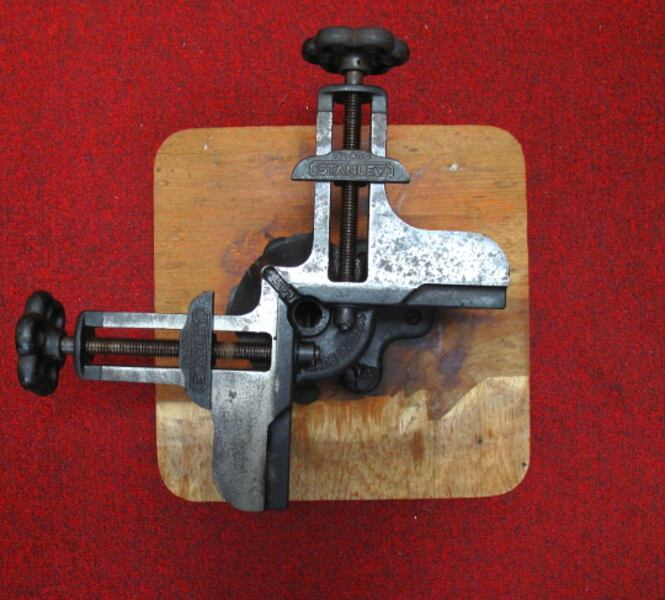 Antique Stanley Picture Frame Clamp 1ee6a345-ee2b-448a-a3ba-554d556cd30c