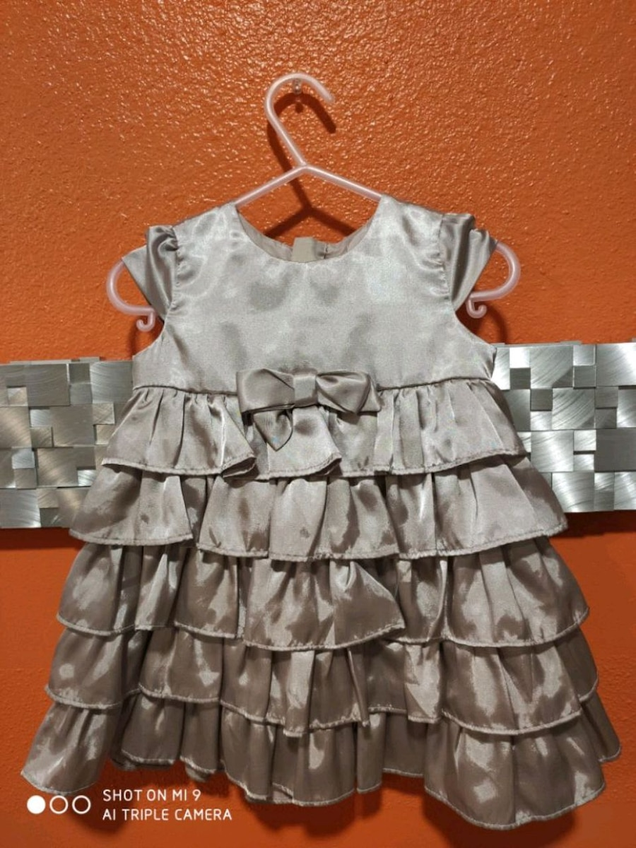 Photo DKNY babygirl dress size 18 month