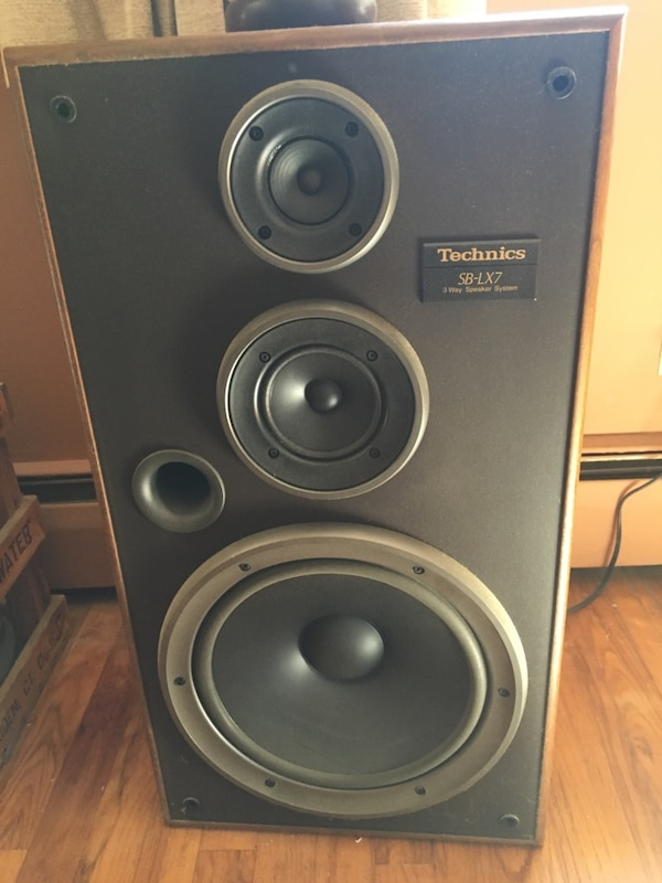 Pair of Technics SB-LX7 3 way speaker system 200 watts
