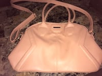 nude-color leather 2-way handbag Port Colborne, L3K 1P2