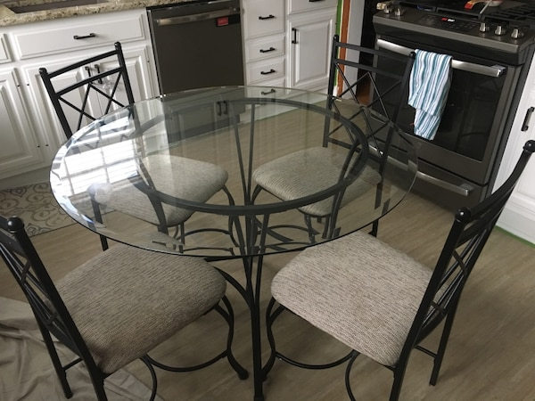 Mainstays 5 Piece Glass Top Metal Kitchen Dining Set Usado En Venta