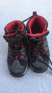 black-red-and-brown hiking shoes Kirkland, 98033