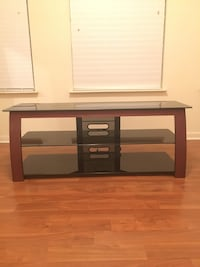 Tv/entertainment stand  Herndon, 20170
