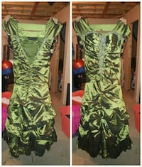 green satin sweetheart neckline cap-sleeved long dress collage Whitby, L1N 9E2