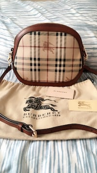 brown and black Burberry leather hobo bag Toronto, M3M 1J2