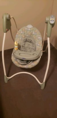baby's white and gray swing chair San Marcos, 78666