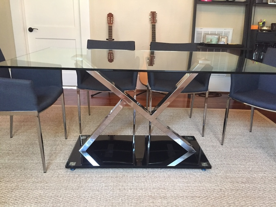 Glass dining table in houston letgo for Table 6 in as 3725