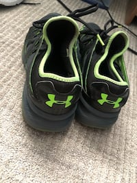 Under armour gym shoes size 10 Calgary, T1Y 3B6