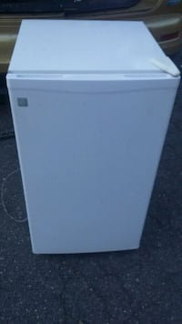 GE Mini Fridge Alexandria, 22310