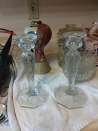 two clear glass candle holders Chesterton, 46304