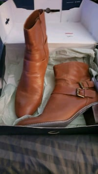 2 pair of boots for one price Suitland-Silver Hill, 20746