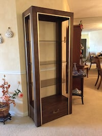 Display Cabinet with glass shelves Markham, L3T 1Y9