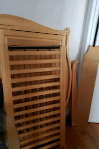 Wooden crib with mattress and Chicco stroller 233 mi