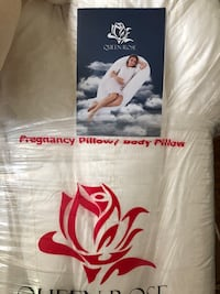 New  pregnancy pillow white Roswell, 30075
