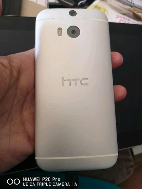 HTC M8 Android smartphone 27c75356-7f01-4131-a815-59913ebfbf24