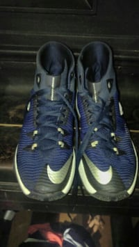 Mens nike basketball shoes size 9 Northport, 35475