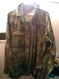 brown and green camouflage jacket Winchester, 22601