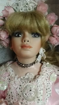 WELDEN MUSEUM OF FINE COLLECTIBLES, HANDCRAFTED PORCELAIN DOLL SAINTPAUL