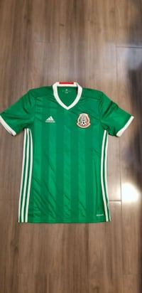 green and white Adidas soccer jersey Calexico, 92231