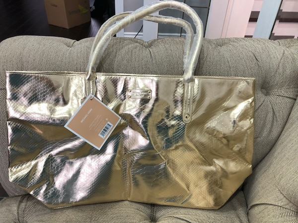 aa27356da637a8 Used Authentic MK gold hobo bag. Got as a gift for sale in Pickering ...