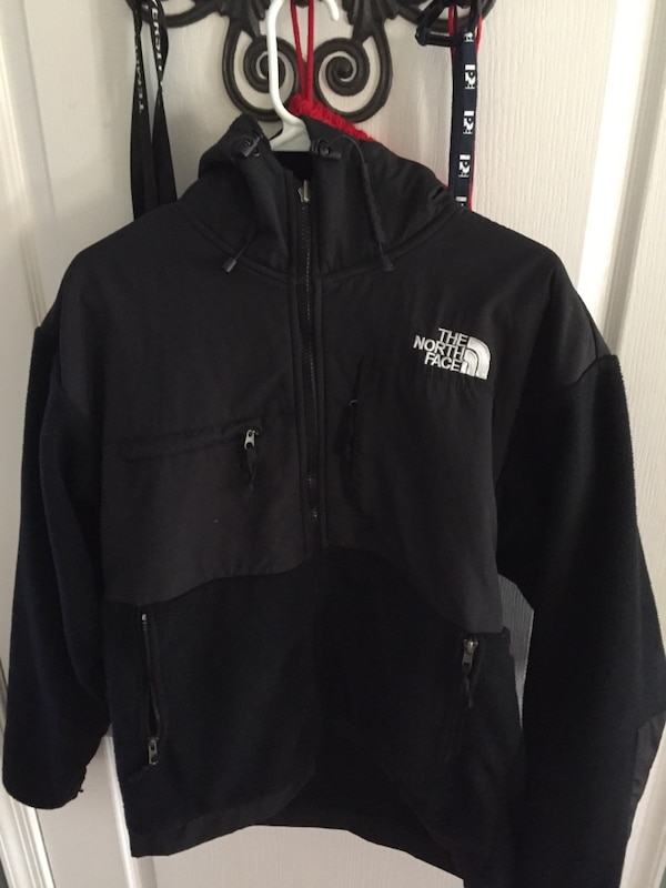 Used black the north face hoodie for sale in Concord - letgo a79412370