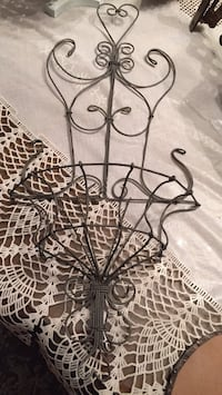 """Wire wall basket.   19"""" Crown Point, 46307"""