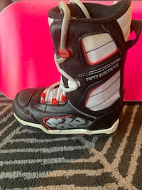 Kids snowboard with boots and bindings (118cm) Montréal, H4B 1N3