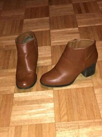 pair of brown leather booties Staten Island, 10302
