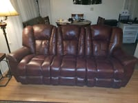 Leather recliner lazyboy couch Portland, 97233