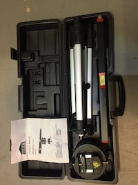 Job mate laser level with adjustable tripod and heavy duty case Langley, V3A
