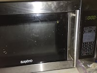 black and gray microwave oven 252 mi