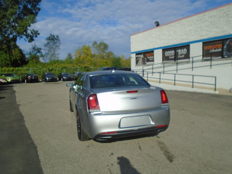Chrysler 300 2016 4