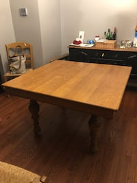 Beautiful Wood Square Dining Room Table 11 km