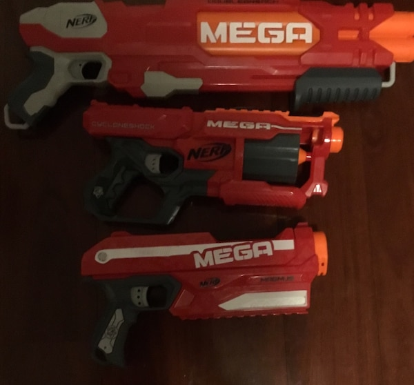 3 working mega nerf guns with 10 working bullets