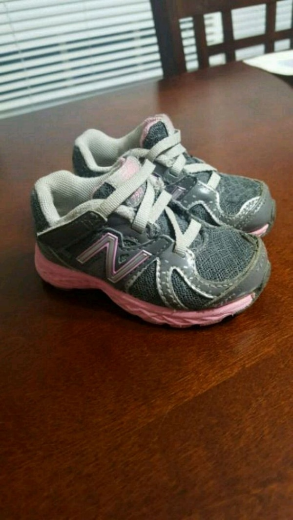 fb9f5ebe13a45 Used Size 4 baby girl new balance shoes for sale in Grantville - letgo