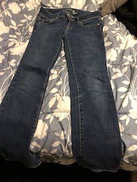 Blue denim straight-cut jeans Toronto, M4A 1Y6