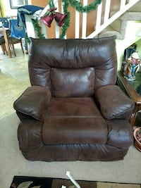 brown leather armchair Dunnellon, 34432