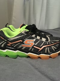 pair of black-and-green Skechers running shoes Mississauga, L5M