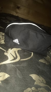 Adidas mini bag Winnipeg, R2X 1Z5