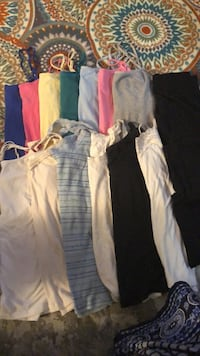 Lot of 15 pieces: womans camis/tanks/leggings Des Moines, 50317