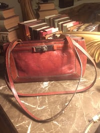 Fossil Leather Bag $15. Williamsburg, 23185
