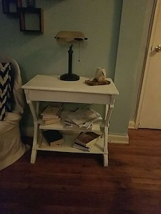 Side table. White painted wood.