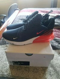 unpaired black and white Nike Air Max shoe with box Elizabeth, 07208