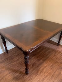 Dining Room Table (5 seats)