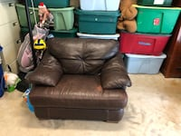brown leather recliner sofa chair Lake Tapps, 98391