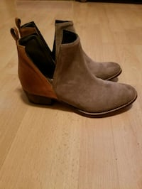 pair of brown suede Chelsea boots Kenner, 70062