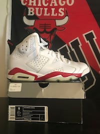 unpaired white and red Air Jordan 6 shoe Warwick, 02889